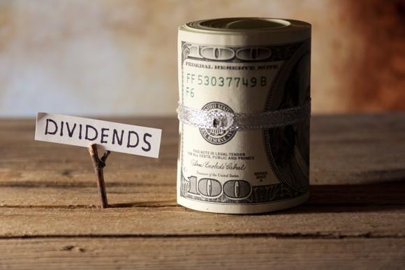Come i dividendi influenzano i prezzi delle azioni